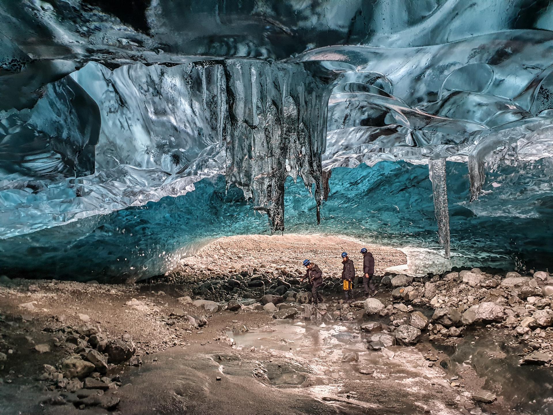saphire ice cave